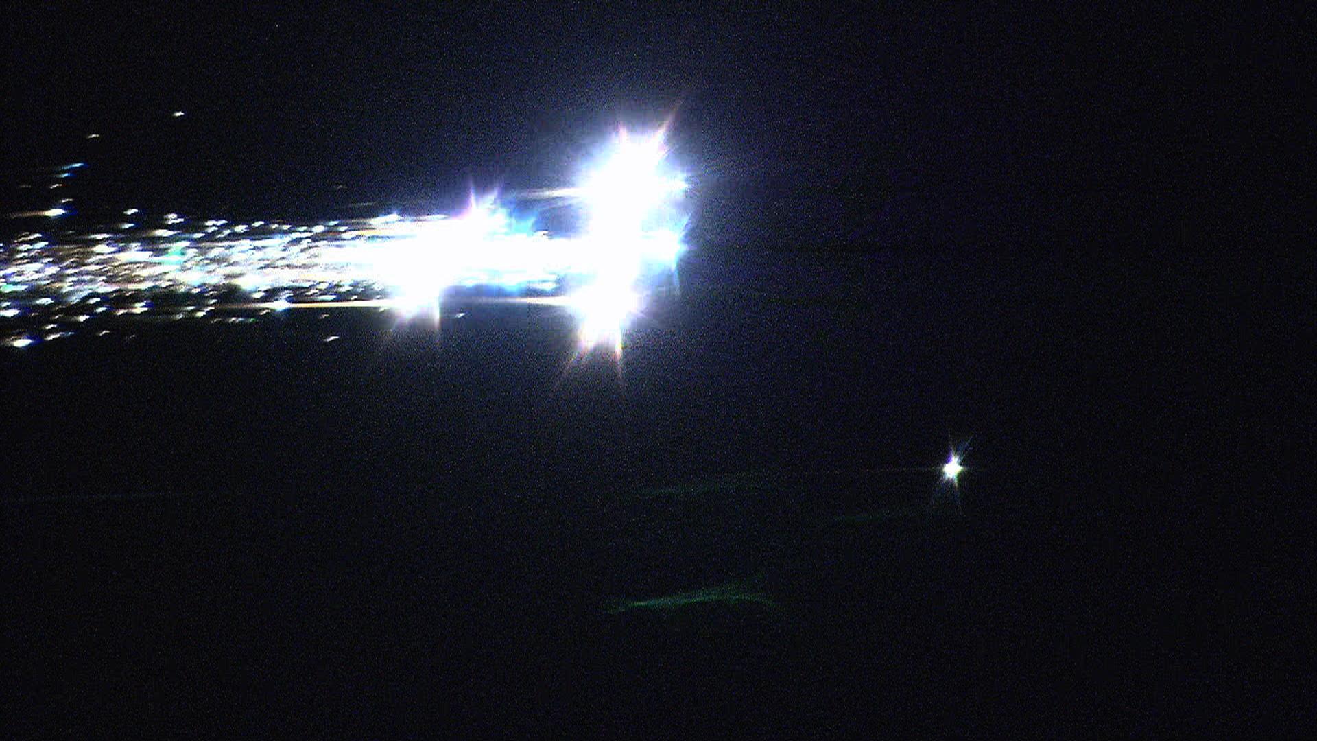 Nasa scientists capture hayabusa re entry from nasa s dc 8 flying
