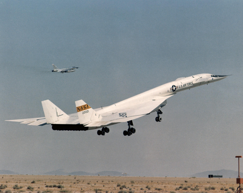 North American XB-70 Valkyrie 359380main_ED97-44244-2_full