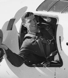 Disparition du pilote d'essais NACA John Griffith (1921 - 2011) 386729main_griffith_226X260