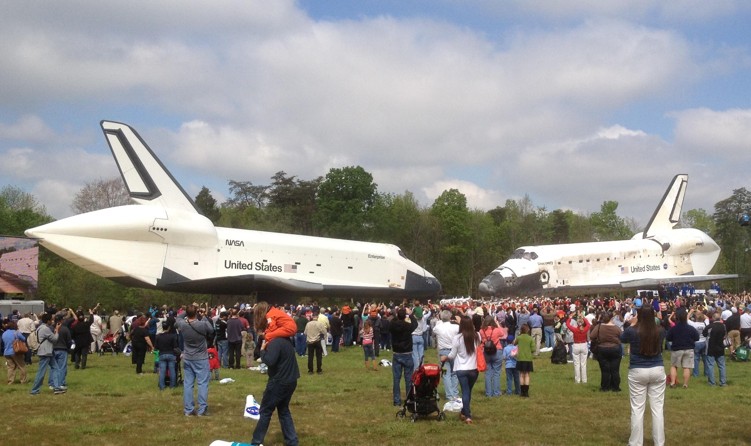 NASA - Shuttle Discovery Transferred to NASM's Udvar-Hazy ...