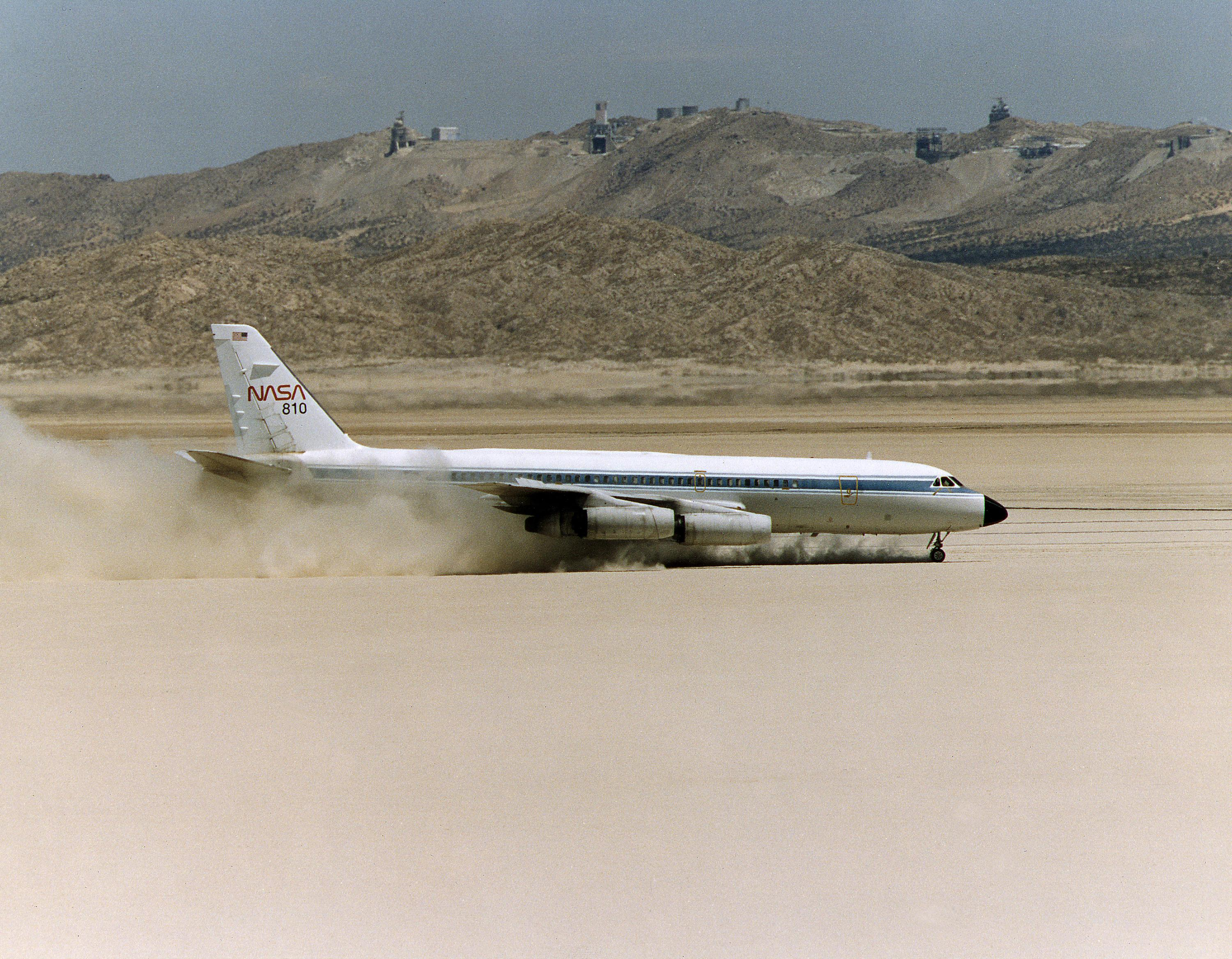 space shuttle landing at edwards air force base - photo #25