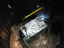 Super-TIGER( (Trans-Iron Galactic Element Recorder) is lowered into the B-2 chamber
