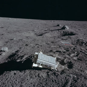 Apollo laser reflector deployed on the moon
