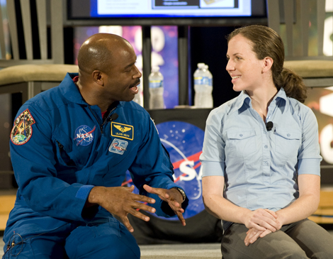 Astronaut Leland Melvin and HQ Intern Katelyn Duran