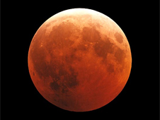 photograph of 2003 lunar eclipse