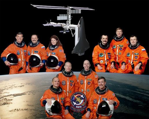 The STS-105, Expedition 2 and Expedition 3 crews