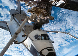 iss015e22575 -- STS-118 Space Shuttle Endeavour