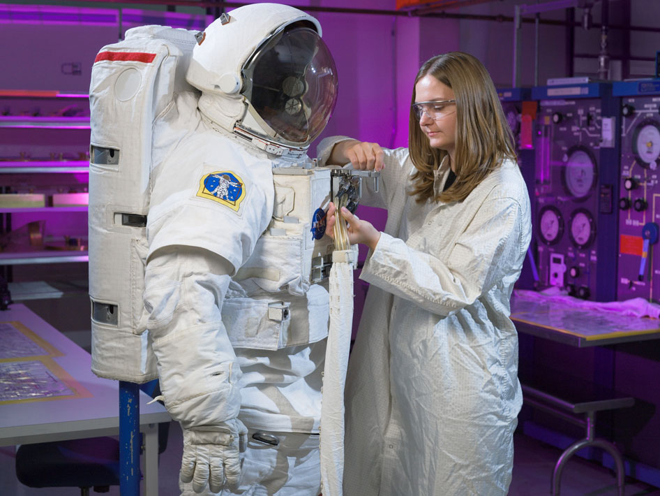 an interactive spacesuit experience nasa - HD3000×2250