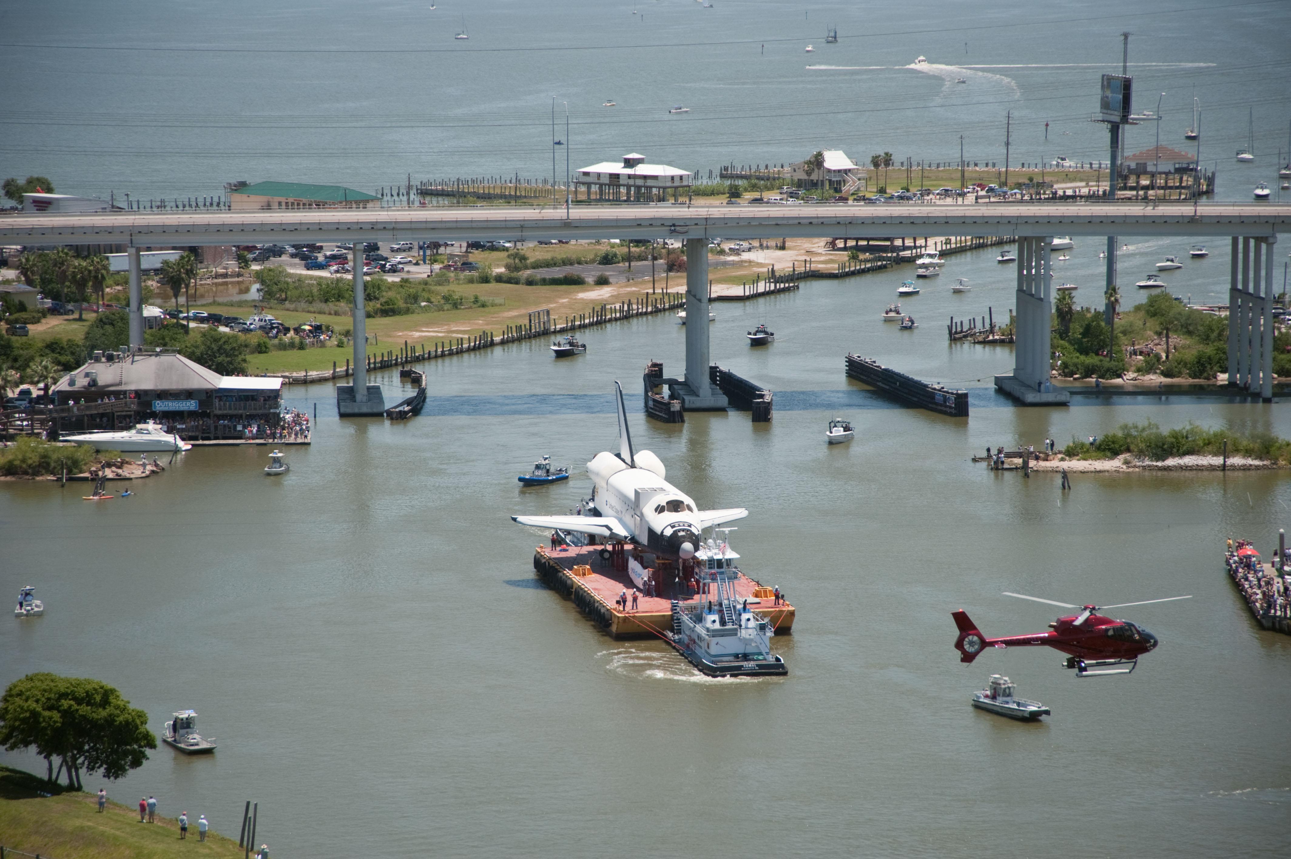 NASA - Shuttle Replica Completes Journey to Houston