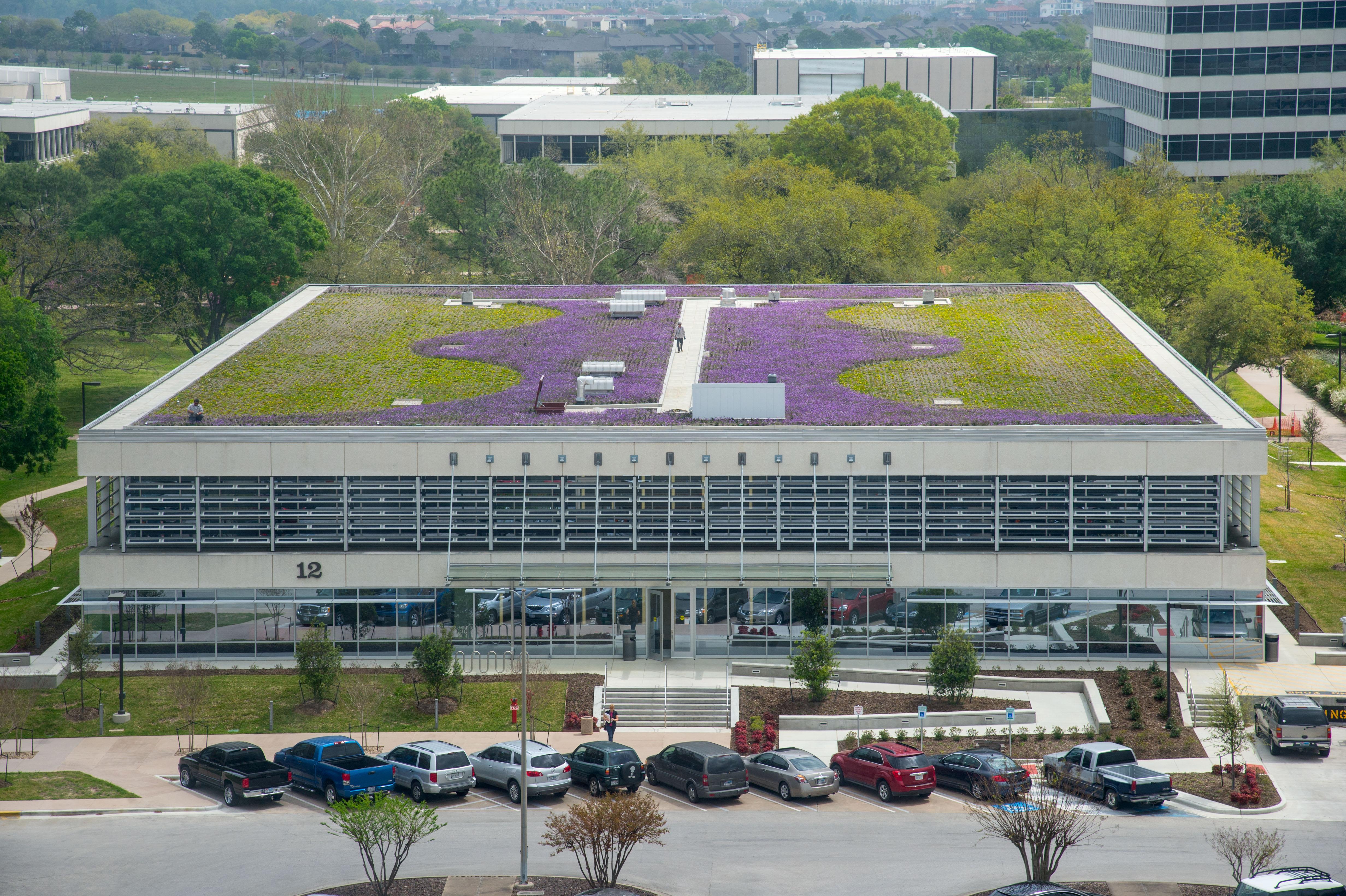 NASA - Center Management Checks Out a Not-So-Secret Garden ...