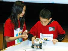 students compete in the 2009 robotics competition