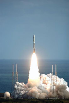 Liftoff of the Atlas V carrying NASA's New Horizons spacecraft