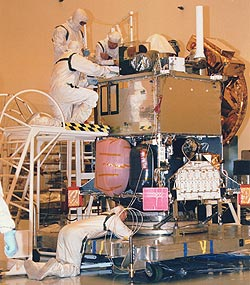 The Mars Global Surveyor spacecraft processing