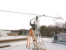 ARRIS volunteers set up a relay station on a school roof