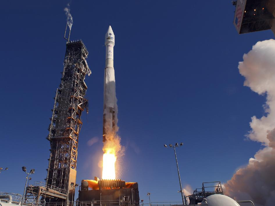 Atlas V launches.