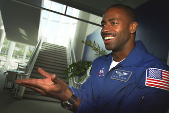 Astronaut Leland Melvin at the Virginia Air & Space Center