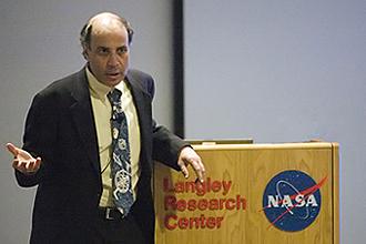 Dr. Robert Zubrin speaking at NASA in 2008.