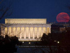 A 'super moon' rises near the Lincoln Memorial on March 19, 2011