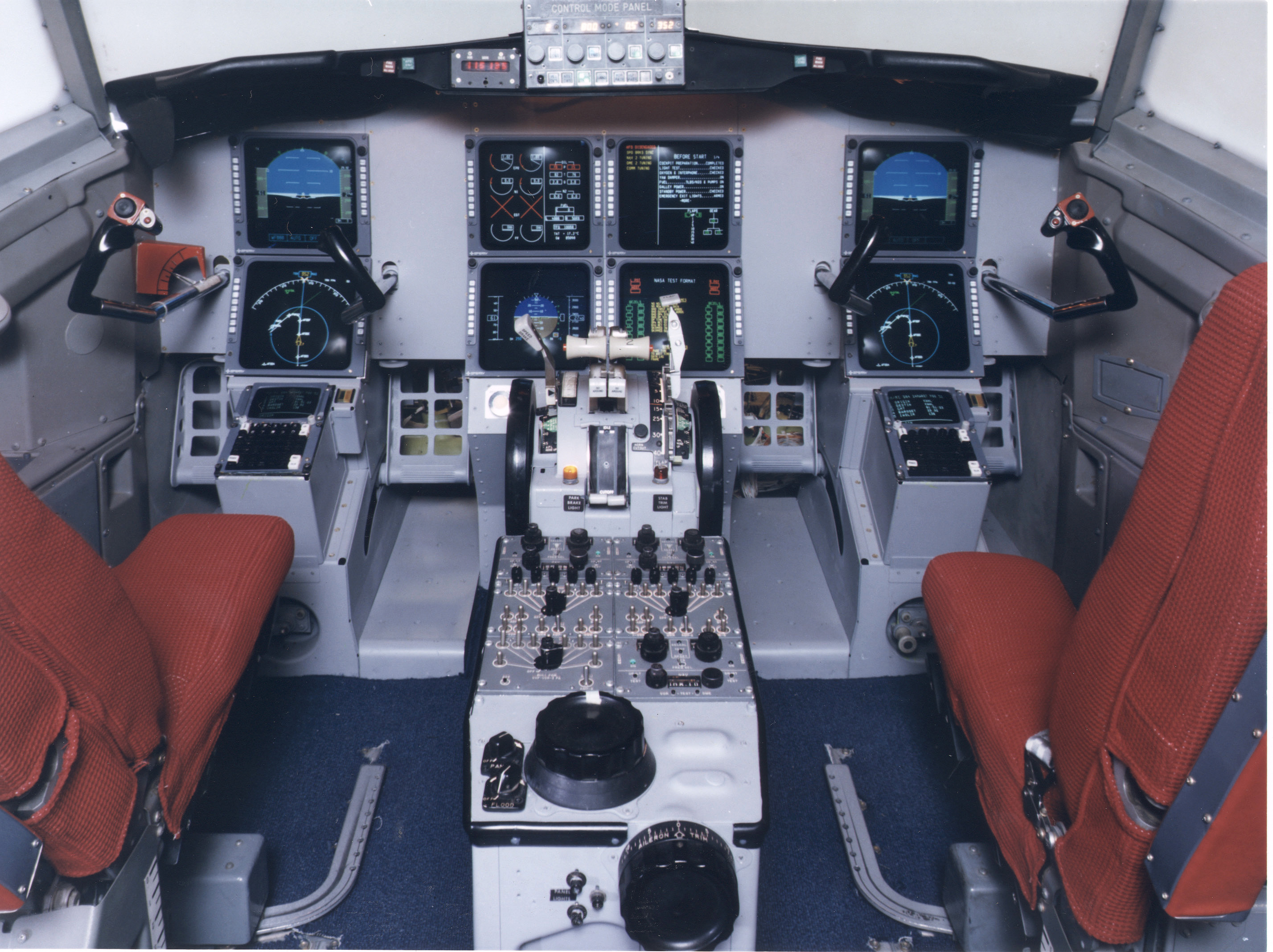 cockpit nasa saucer - photo #46