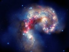 Two colliding galaxies in the Antennae galaxies