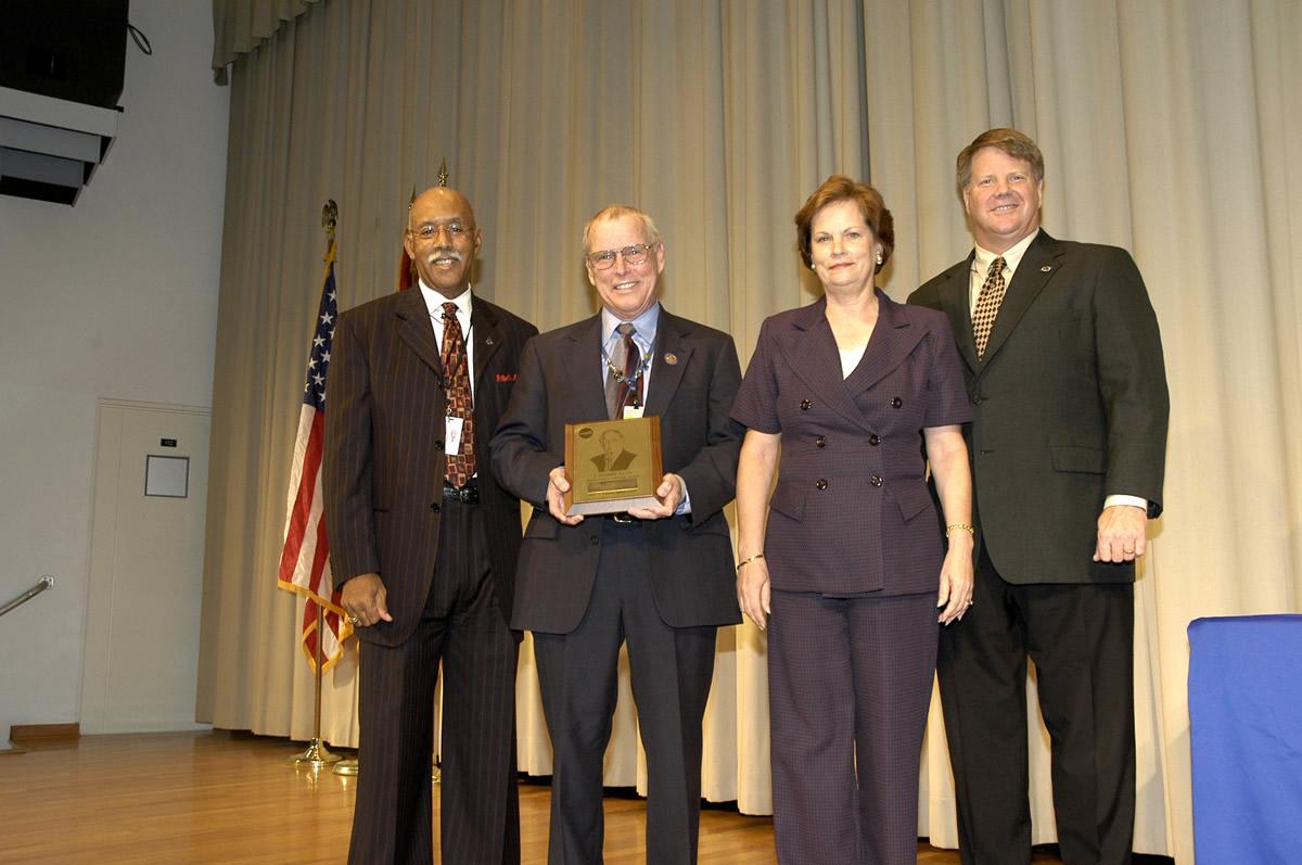 nasa outstanding leadership award - photo #12