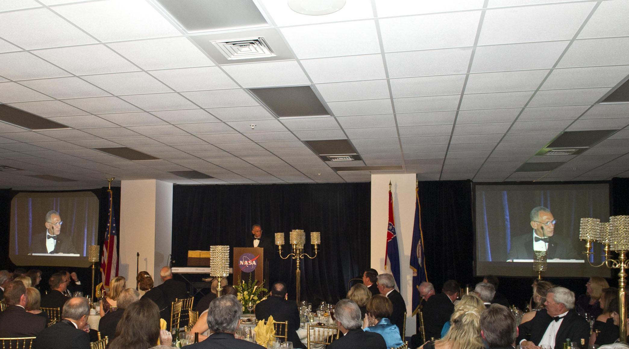 nasa podium - photo #9