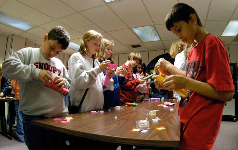 students building paper rocket nasa - photo #8
