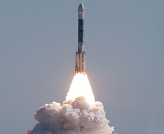 Deep Impact lifts off aboard a Boeing Delta II.