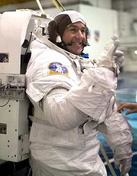 STS-114 Mission Specialist Steve Robinson