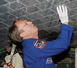 STS-114 Mission Specialist Andy Thomas