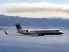 Gulfstream G5 in flight