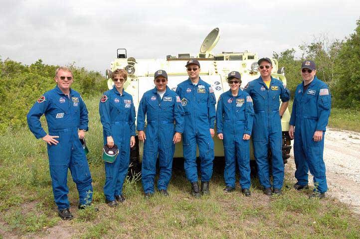 Photos de l'équipage de STS-114... 114085main_driver-m