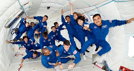 astronauts in space feel weightless because they - photo #19