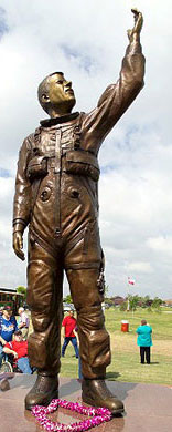 Willie McCool statue