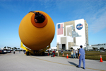 External Tank arrives at Kennedy