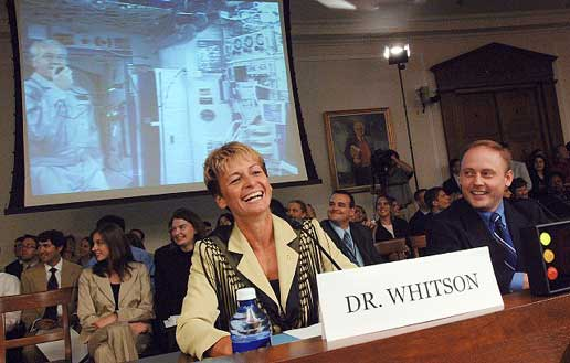 Astronauts testify before Congress