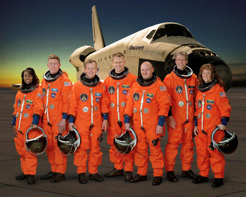 spacecraft crew - photo #3