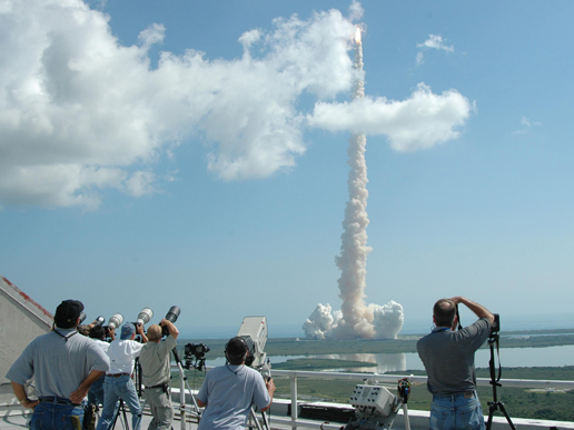 Discovery, mission accomplie mais...... 123492main_image_feature_373_ys_4