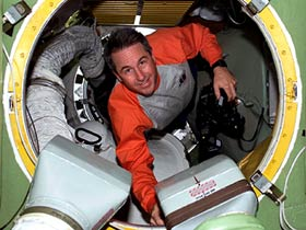 Mission Specialist Steve Robinson