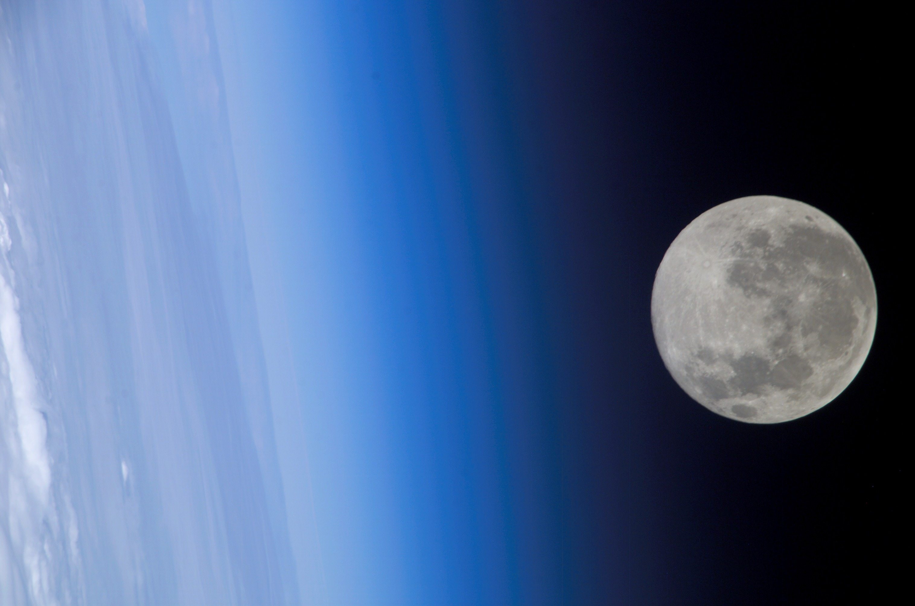 moon space station pictures - photo #39