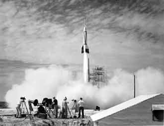 Bumper V-2, first launch from Cape Canaveral.