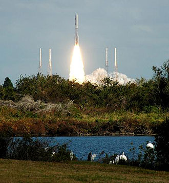 New Horizons launches aboard the Atlas V