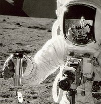 NASA - Apollo Chronicles: The Mysterious Smell of Moondust