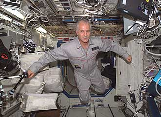 ISS011-E-05140--Astronaut John Phillips floats in the Destiny laboratory