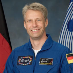 JSC2005-E-29790 -- European Space Agency astronaut Thomas Reiter