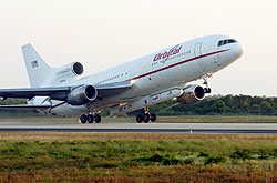 The L-1011 carrier aircraft takes off with Pegasus underneath