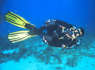 Ron Garan trains for the NEEMO 9 mission