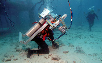 JSC2006-E-13663 -- Two NEEMO-9 crewmembers participate in a session of extravehicular activity.