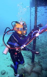 JSC2006-E-13566 - A NEEMO-9 crewmember participates in a session of extravehicular activity.