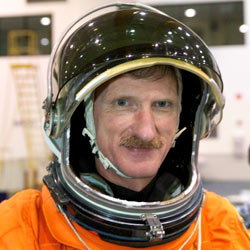 jsc2005e19180 -- STS-115 Mission Specialist Joe Tanner